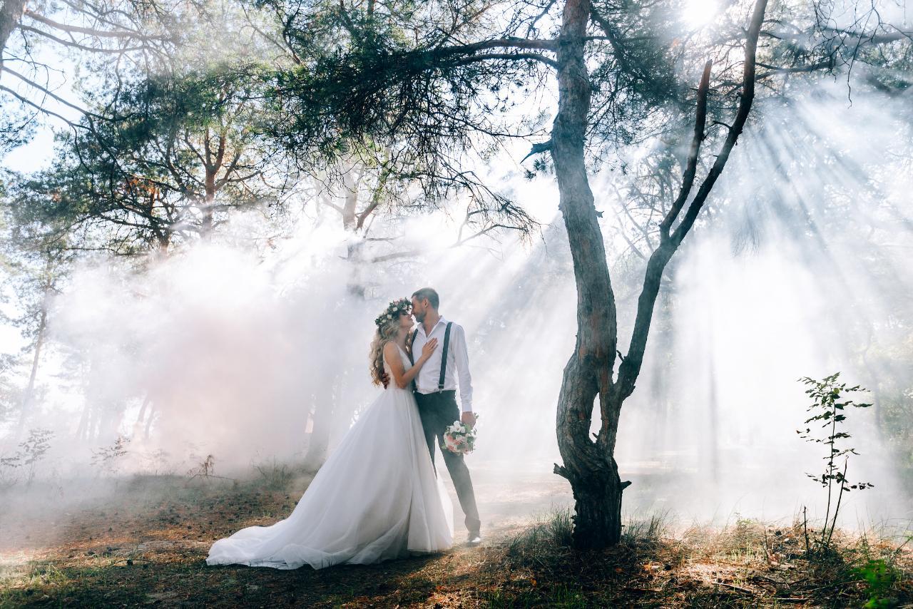 Robes de mariées et costumes de mariés à Tours